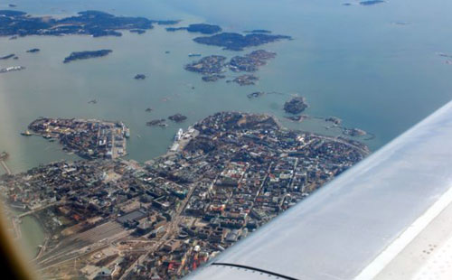 flying-into-helsinki-1